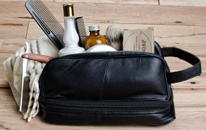 Three Great Ideas for the Perfect Men's Toiletry Bag: Travel Shaving Kits, Classic Leather or Hanging Toiletry Bags