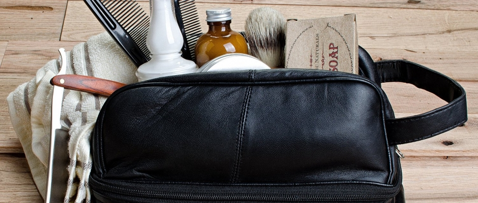 f3afb530cf Three Great Ideas for the Perfect Men s Toiletry Bag  Travel Shaving Kits